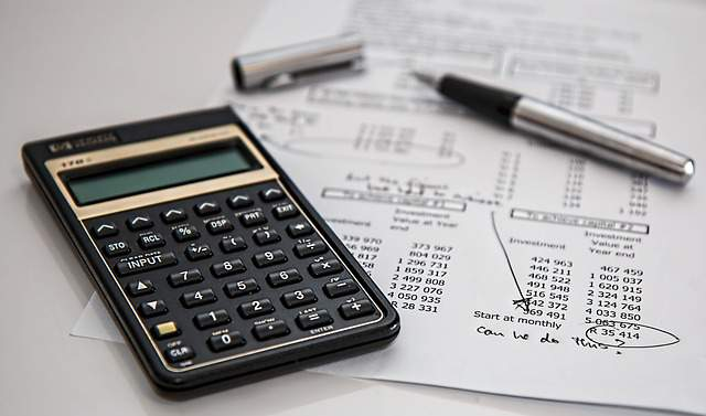 calculator-calculation-insurance