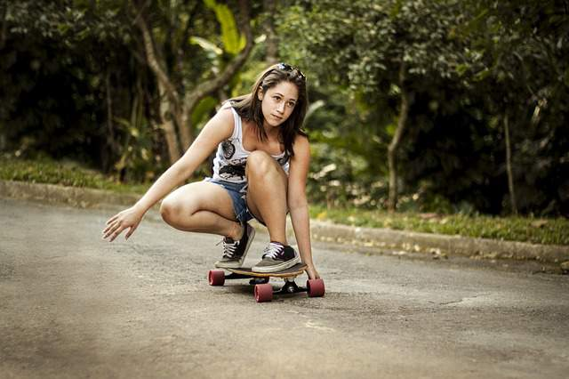 skateboard-girl-woman-sports