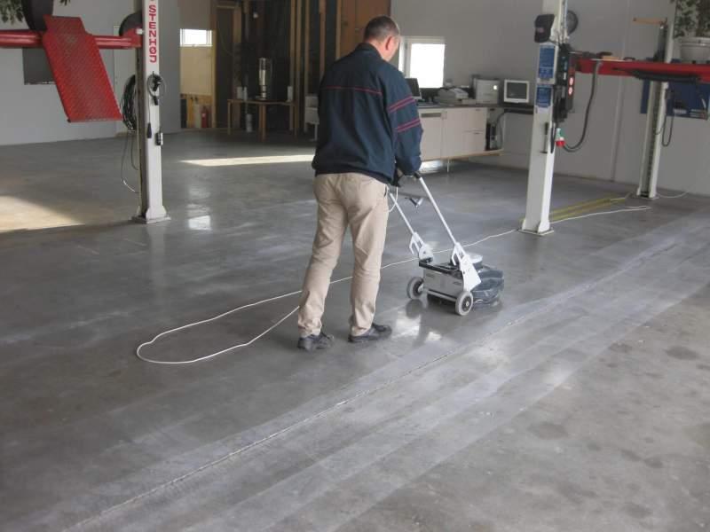 man-polishing-concrete-floor