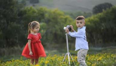 Child-taking-pictures