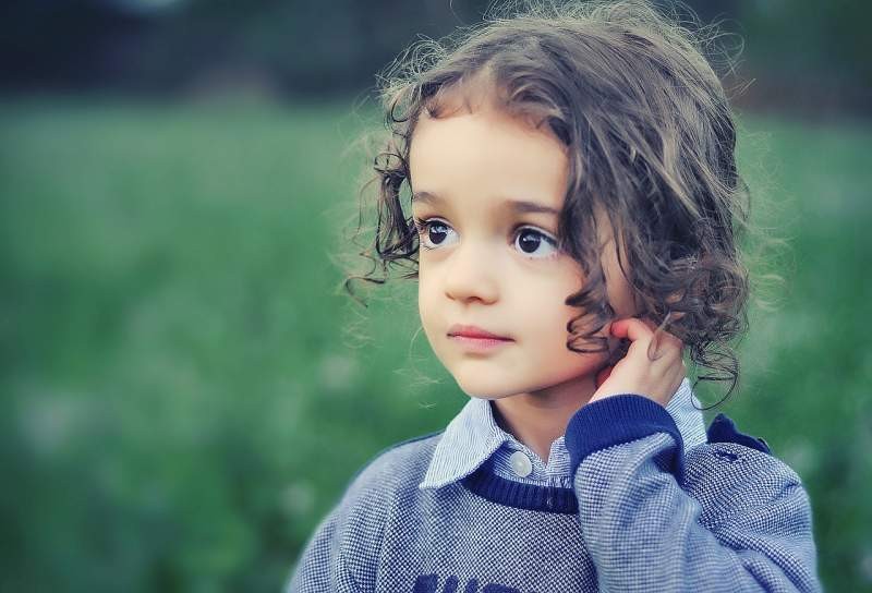 child-model-girl-beauty-portrait