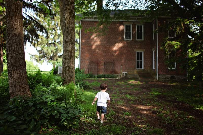 alone-boy-outdoors-house